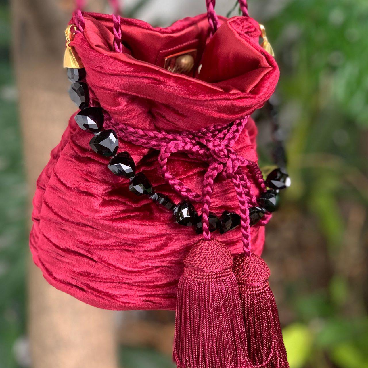 mochila luxo velvet pequeña cadena maytimeless en atizz