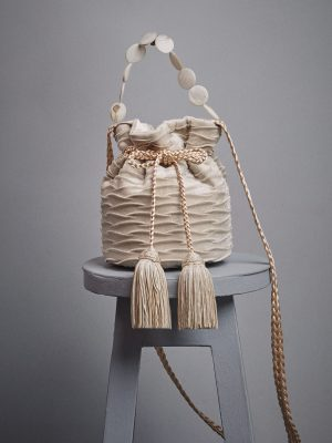 mochila nude en velvet pequeña cadena maytimeless en atizz